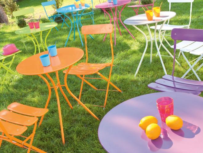 Red corer le mobilier de votre jardin renovation et for Peinture table de jardin metal