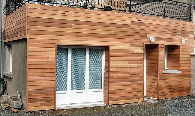 Parfait Comment poser un bardage bois extérieur - Rénovation et Décoration FG87