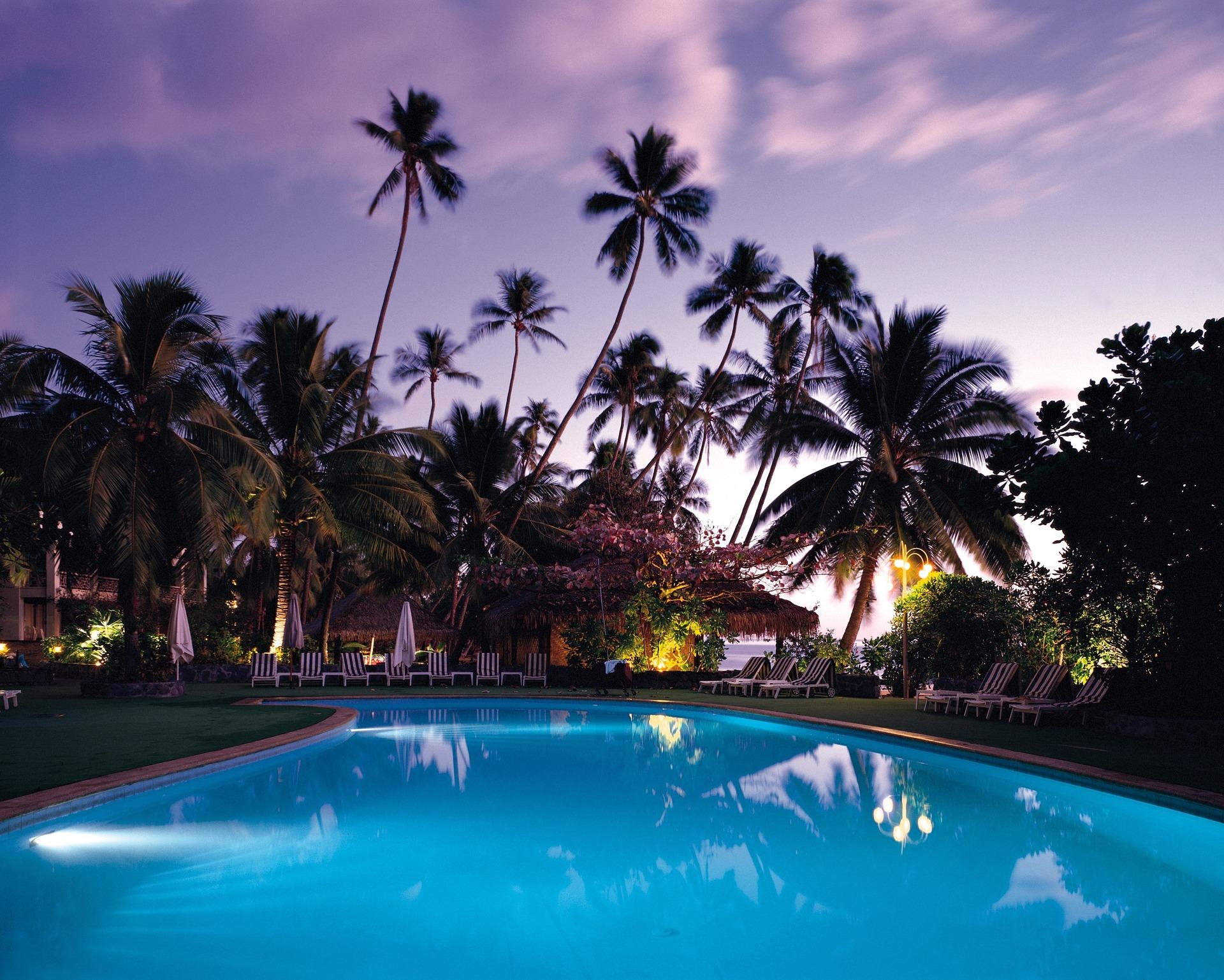 comparatif piscine coque ou beton choisir une piscine coque polyester ou une piscine en