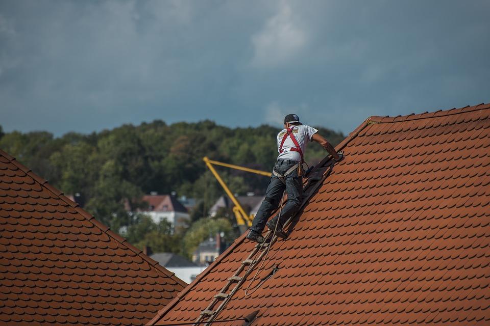 Comment trouver une fuite sur une toiture