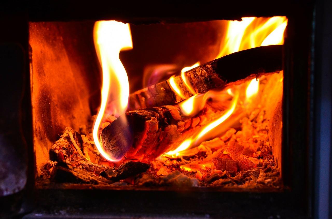 Poêle à bois ou à pellet : nos conseils pour bien choisir