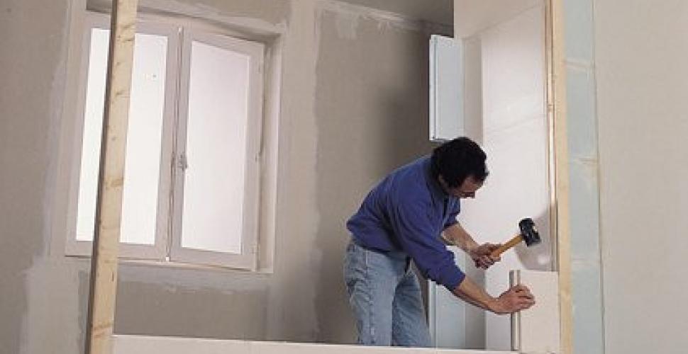 Comment monter une cloison en carreaux de plâtre ?